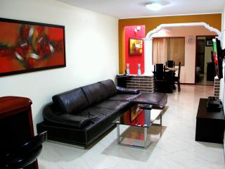 3 bedroom with AC  Lleras Terrace Hot Tub, Medellin