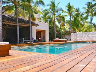 Fantastic Ocean Front Villa, Jambiani