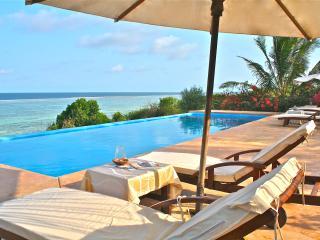 Beautiful Ocean front Villa Paradise, Matemwe
