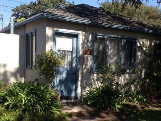 Garden Bungalow, Private, Quiet, Bright, Sunny in Santa Monica