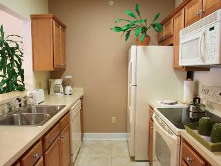 2 bedroom unit for 6 at resort near Waterworld, Williamsburg