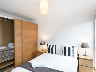 1 Bed Apartment In Angel | Parking | #BH1060, Londres