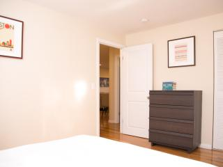 Charming 2BR in Brookline by Sonder