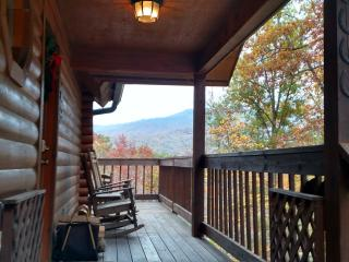 Unbridled Memories Log Cabin with Spectacular View