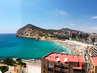1BD Beach Front Apartment with Amazing Sea View, Benidorm