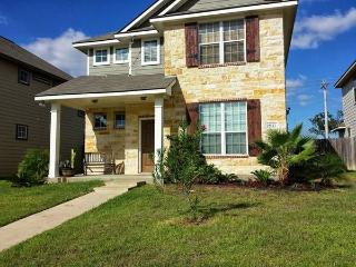 A&M Aggieland Game Rental Home -4 Bed 4 Bath House, College Station