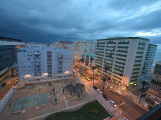 Ático Avda Cádiz vistas mar y Bahía