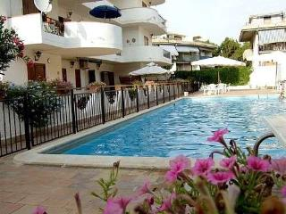 Emily House, Giardini-Naxos