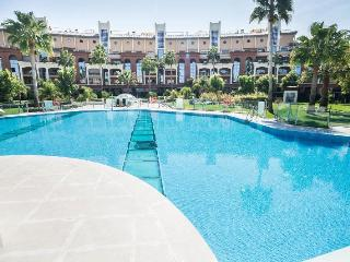 EXCLUSIVE BELLAGIO APT.   3 Bedrooms 2 Bathroons Wifi Aircon     5 mins.to Beach