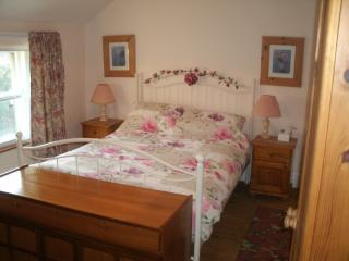 Cosy Mallard Cottage, 7 miles from Bath, 10 miles from Bristol