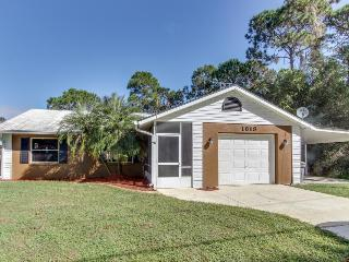Spacious pet-friendly home with screened-in pool, Sebring