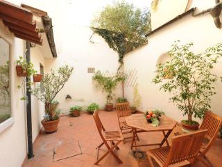 Acacia Firenze-Gelsomino, Santa Croce