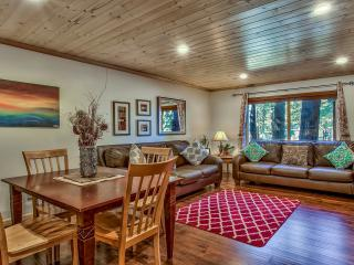 Lovely Centralized Condo Next to Heavenly Resort, South Lake Tahoe