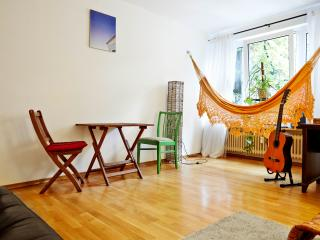 Clean&quiet flat 2Rooms/Wifi/Balcony, Munique