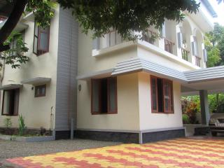 Spacious 5 Bedroom House 5 km from Railway Station