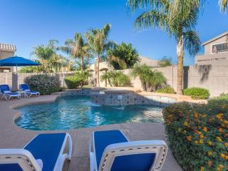 High End vacation rental home in Goodyear, AZ with heated pool&spa  - 2 miles from Wigwam