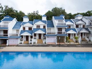 Homeagain 2 bhk Pool Facing Villa setup D-2, Siolim