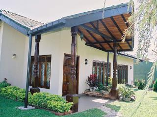 Charles Holiday Bungalow - Moratuwa