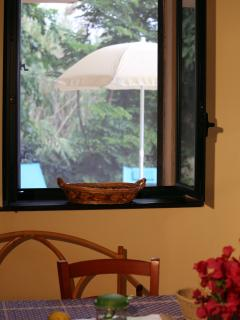 soggiorno con vista all'esterno