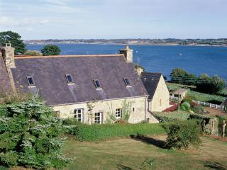 Nice cottage in Bretagne / France with seaview for 4-5
