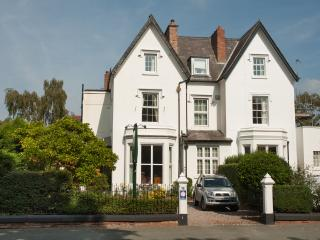 Sleeps 12, Chester