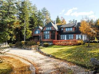 Luxurious Waterfront Home Lake Winni (BAR124Wa), Moultonborough