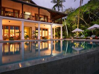 Luxury Oceanfront Villa, Weligama
