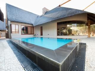 Thulani-Luxurious Safari Lodge