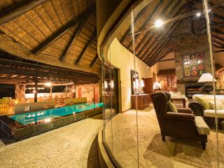 Thulani-Luxurious Safari Lodge, Hoedspruit