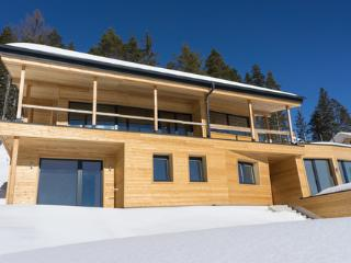 Ferdi Mountain Base - a Contemporary House in Austria
