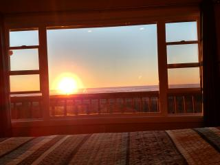 Oceanfront -Deck-BBQ-FirePit - Watch Sunset & Rise, Grayland