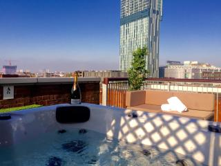 Roof top apartment with hot tub, Manchester