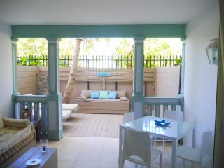 Coté Mer, charming condo for lovers, by the sea, Orient Bay