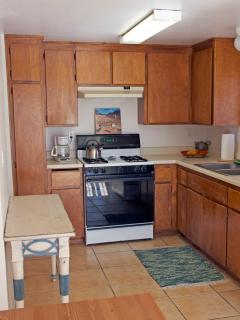 Equipped kitchen - have the basics for meals and is Very clean!