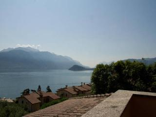 Le Grigne Apartment...Fantastic wide lake view, Menaggio