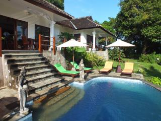 VillaTigaWasa - Modern, Private, Secluded, Views!, Lovina Beach