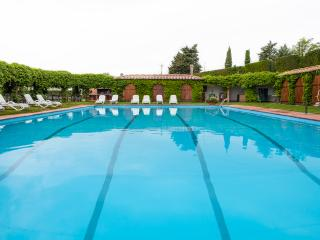 Large Villa in Tuscany for Weddings or Family Reunions - Villa Conte Estate