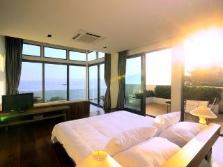 Phuket Luxury Beachfront Pool Villa, Rawai