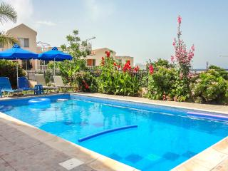 Panoramic sea views, sleeps 7, wifi, private pool