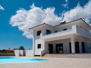 Cyprus In The Sun Villa FAPR59 Platinum, Protaras