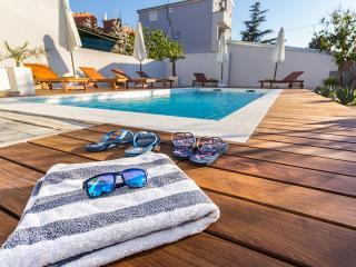 **** Holiday apartment 1 Villa Biograd with pool