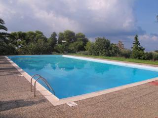 2630-Kokkino Kastro Estate - Aegina, Egina
