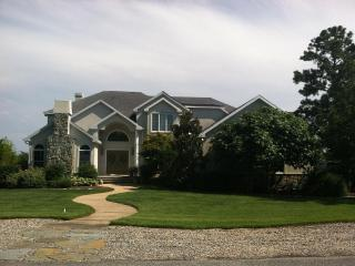 Georgous Home On The Water Filled With Amenities: Inground Pool, Hot Tub, Garden