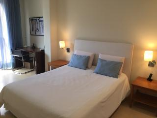 Ipanema 2 Bedroom 1 Block from the Beach