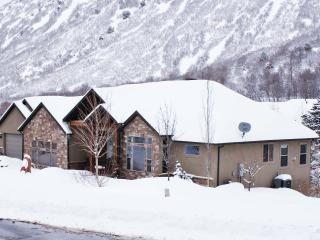 Snowbird! Alta! Luxe Ski Home Just Down the Road!