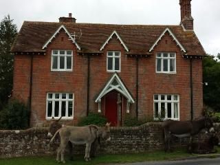 Well Appointed Farm House, Beaulieu