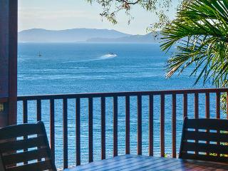 180 Degree Ocean Views Casuarina 16 Hamilton, Hamilton Island