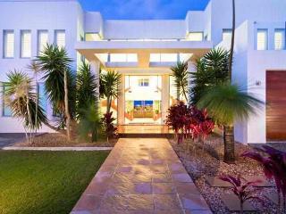 The White House GC, Gold Coast