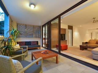 Temple 304 Stunning Views Modern Spacious, Palm Cove