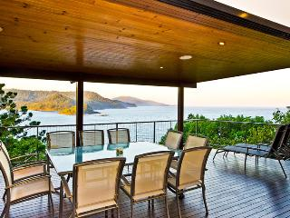 OCEAN FRONT LARGE HOUSE BLUE PEARL, Isla de Hamilton